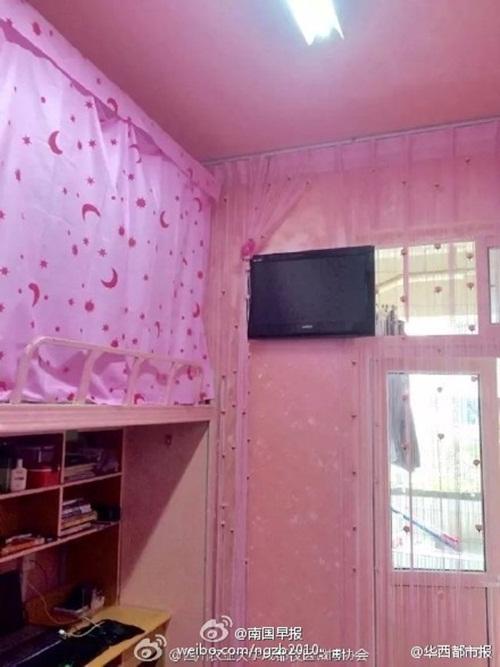 Phòng ký túc nam ngập tràn sắc hồng như công chúa - 5