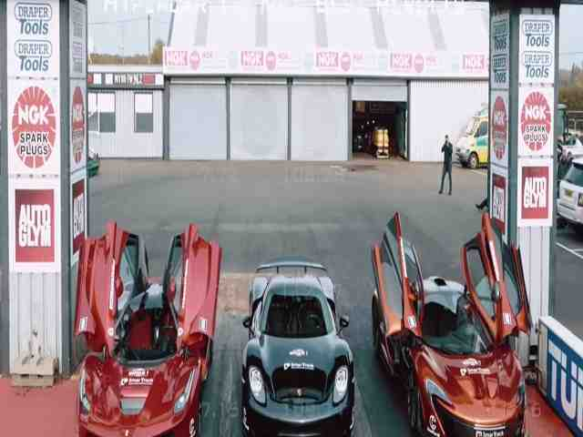Cuộc đối đầu giữa bộ ba siêu phẩm LaFerrari, McLaren P1 và Porsche 918 Spyder - 1