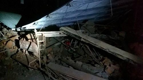 Sập nhà đang xây tại TPHCM, 11 người thương vong - 3