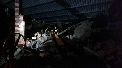 Sập nhà đang xây tại TPHCM, 11 người thương vong - 5