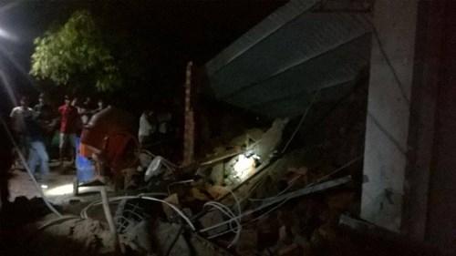 Sập nhà đang xây tại TPHCM, 11 người thương vong - 7