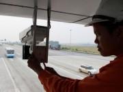 """Tin tức trong ngày - Bắt đầu lắp camera """"phạt nguội"""" trên cao tốc Nội Bài-Lào Cai"""