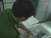"""Video An ninh - Bắt lô iPhone 6S nhập lậu cực """"khủng"""" ở Đà Nẵng"""