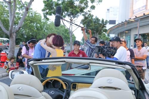 """Quỳnh Chi hụt hẫng vì """"nụ hôn dở dang"""" với B Trần - 2"""
