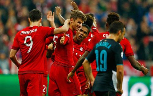 Bayern - Stuttgart: Đến sàn diễn của Muller - 1