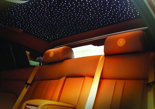 """Rolls-Royce Phantom Lửa thiêng 50 tỷ """"náo loạn"""" đường phố HN - 6"""
