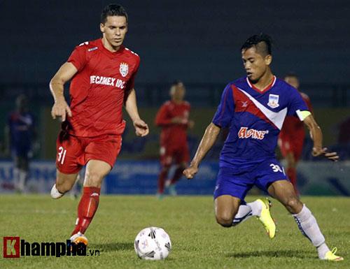 Nhà vô địch V-League khởi động nhọc nhằn ở BTV Cup - 2
