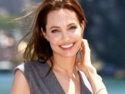 """Phim - Angelina Jolie bình thản trước lời tố """"hư hỏng, thiểu năng"""""""