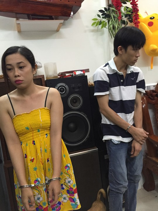 Đôi vợ chồng trẻ gắn camera khắp nhà để bán… ma túy - 1