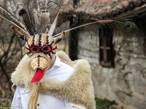 Lễ hội hóa trang rùng rợn nhất Châu Âu - 8