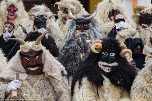Lễ hội hóa trang rùng rợn nhất Châu Âu - 1