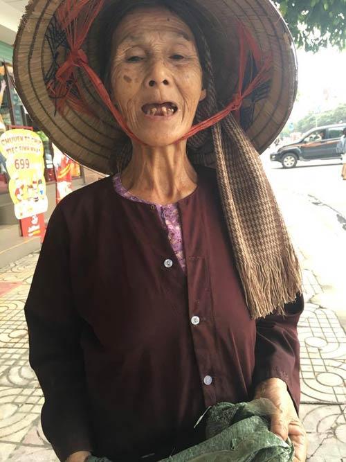 Cụ già 76 tuổi nhặt ve chai nuôi chồng mù - 2