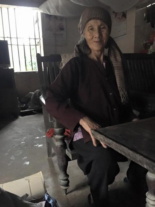 Cụ già 76 tuổi nhặt ve chai nuôi chồng mù - 7