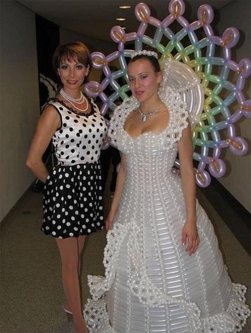 """Cười ra nước mắt với những """"thảm họa váy cưới"""" - 7"""