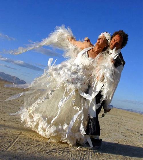 """Cười ra nước mắt với những """"thảm họa váy cưới"""" - 12"""