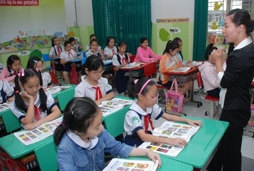 Người Việt học tiếng Anh để đối phó - 1