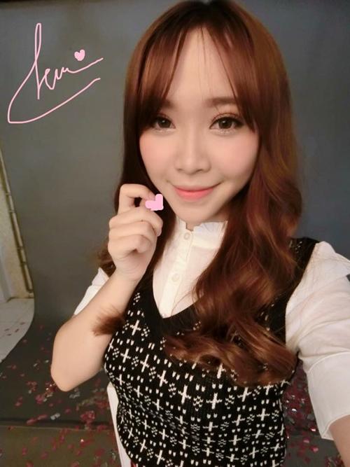 Facebook sao 8/11: Hòa Minzy khác lạ với tóc dài - 8
