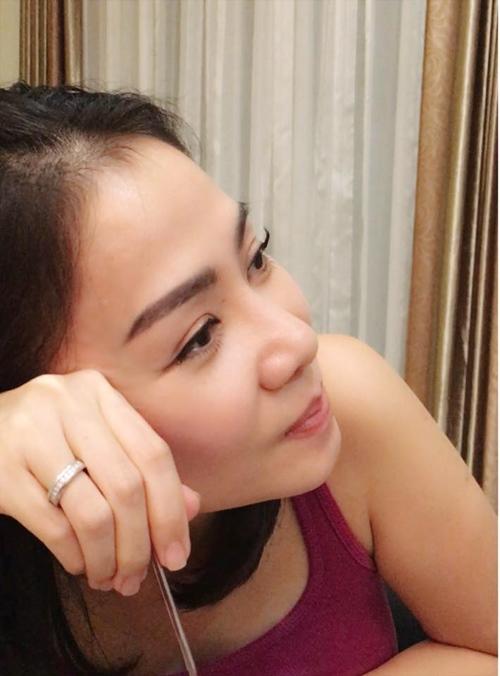 Facebook sao 8/11: Hòa Minzy khác lạ với tóc dài - 4