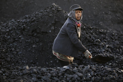 Ảnh: Cuộc sống bên trong thành phố mỏ ở Trung Quốc - 6