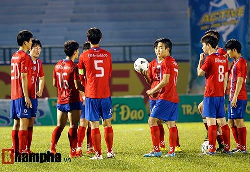 Trọng tài Việt Nam bị cầu thủ CLB của Myanmar tấn công - 3