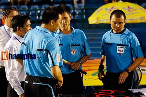 Trọng tài Việt Nam bị cầu thủ CLB của Myanmar tấn công - 6