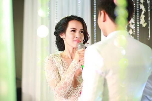 """Tú Vi - Văn Anh """"khóa môi"""" ngọt ngào trong đám cưới cổ tích - 7"""