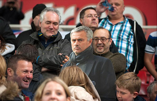 Sa thải Mourinho, Abramovich có thể mất 100 triệu bảng - 3