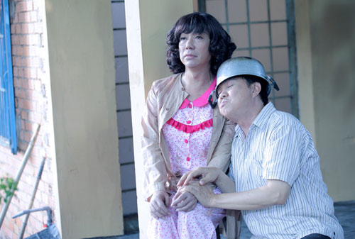 Long Nhật bất ngờ trở thành... vợ Chí Tài - 3
