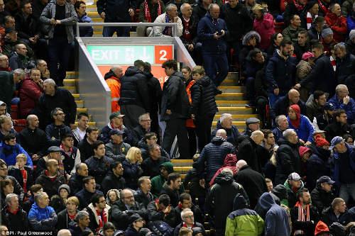 Thua trận đầu tiên, Klopp chê thái độ CĐV Liverpool - 1