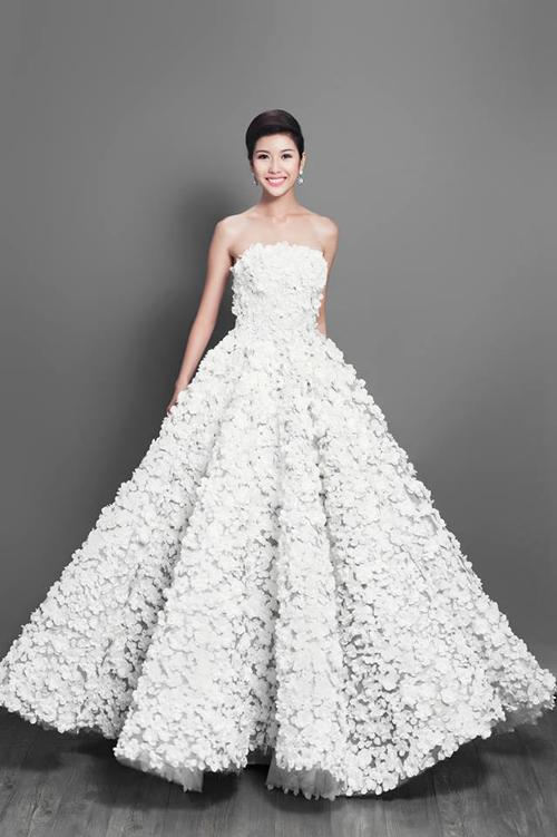 Váy hot nhất tuần: Thúy Vân, Huyền Ny - Ai đẹp hơn ai? - 3