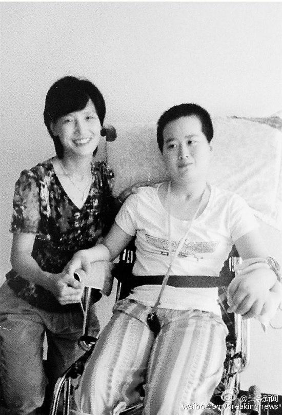 Cảm động mẹ chăm sóc vợ chưa cưới của con trai suốt 5 năm - 1