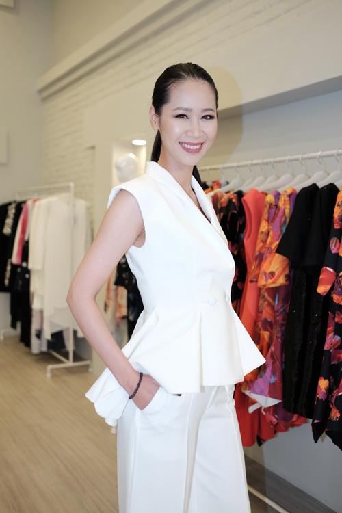 Hoa hậu Kỳ Duyên diện túi hiệu trăm triệu đi dự tiệc - 10