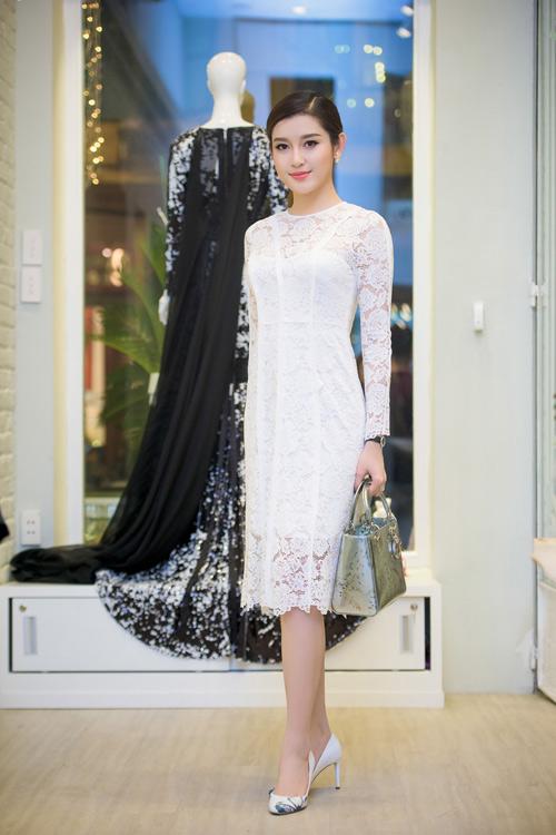 Hoa hậu Kỳ Duyên diện túi hiệu trăm triệu đi dự tiệc - 4