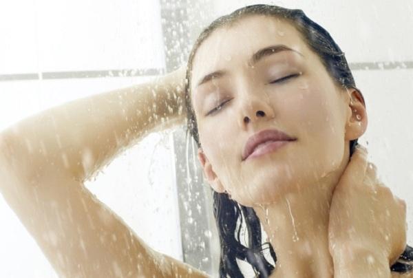 Sai lầm khi tắm dễ đột tử mà nhiều người vẫn mắc phải - 1
