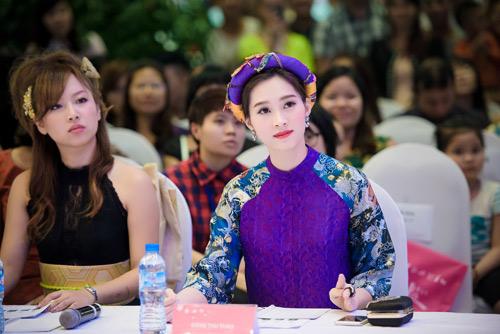 """Hoa hậu Thu Thảo xinh ngây ngất khi ngồi """"ghế nóng"""" - 5"""