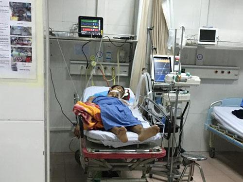 Tài xế taxi chấn thương sọ não sau khi nhảy khỏi cầu vượt - 1