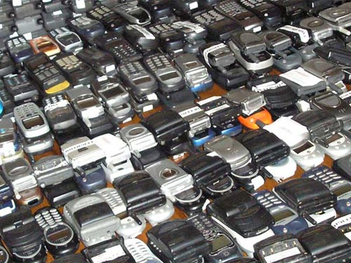 Từ 15-12: Cấm nhập khẩu laptop, điện thoại di động cũ - 1