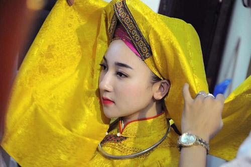 Ngất ngây với vẻ đẹp của cô đồng trẻ nhất Hà thành - 3