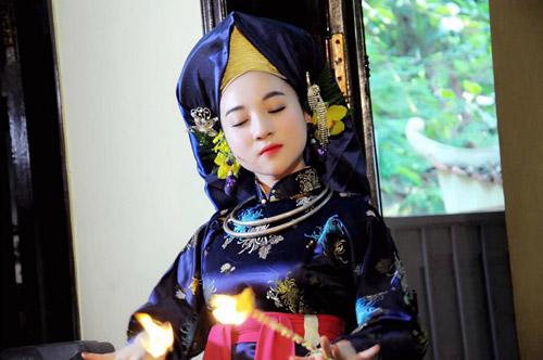Ngất ngây với vẻ đẹp của cô đồng trẻ nhất Hà thành - 9