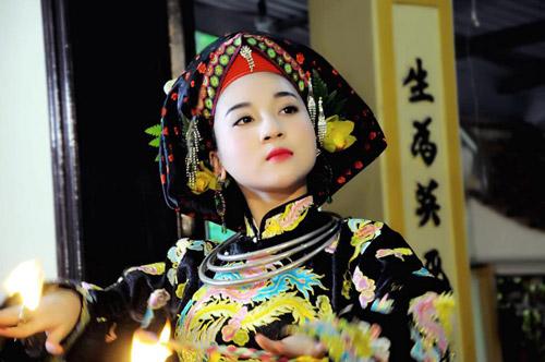 Ngất ngây với vẻ đẹp của cô đồng trẻ nhất Hà thành - 10