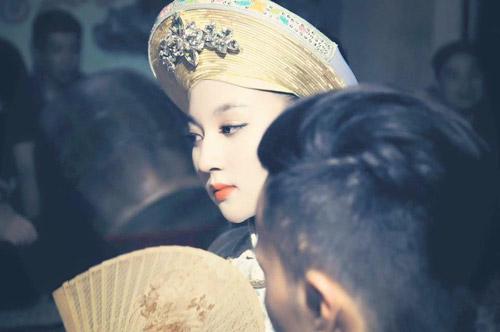 Ngất ngây với vẻ đẹp của cô đồng trẻ nhất Hà thành - 13
