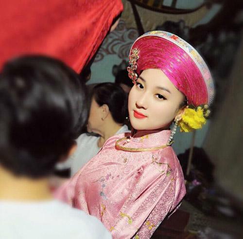 Ngất ngây với vẻ đẹp của cô đồng trẻ nhất Hà thành - 14