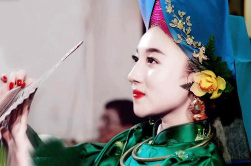 Ngất ngây với vẻ đẹp của cô đồng trẻ nhất Hà thành - 8
