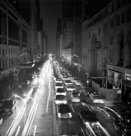 Ảnh: New York bị bóng tối mịt mùng bủa vây 10 tiếng - 12
