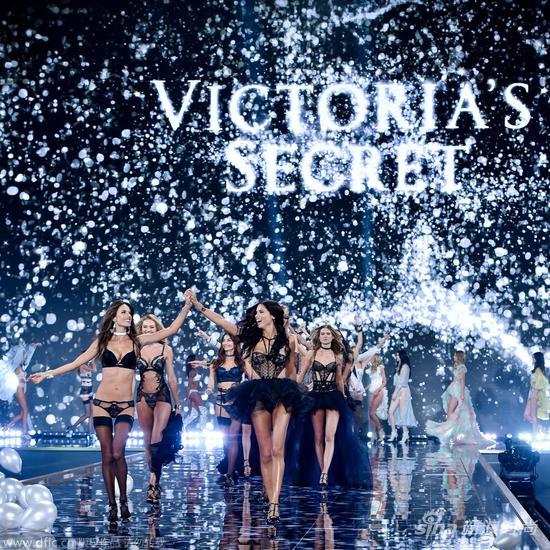 Những con số biết nói trước thềm Victoria's Secret 2015 - 5