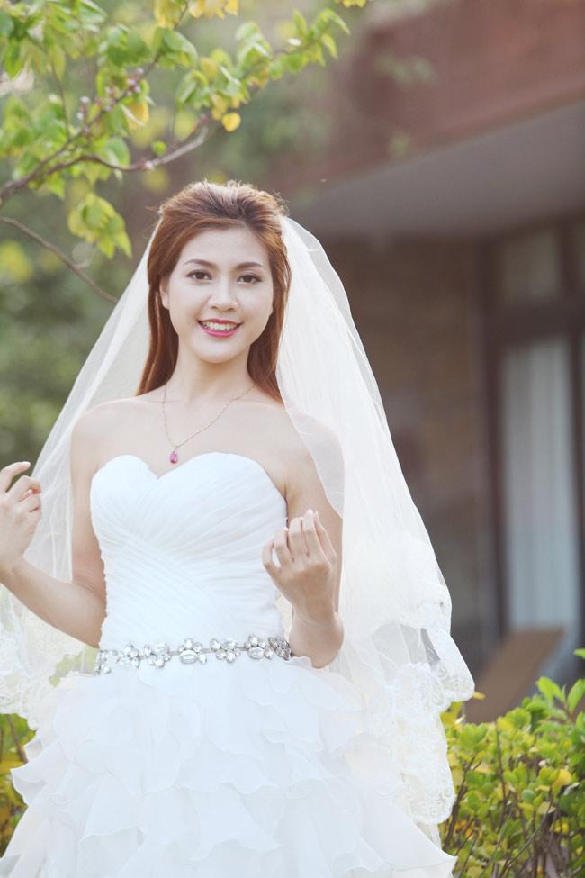 Ảnh cưới nóng bỏng của hoa khôi sinh viên Hà Nội - 12
