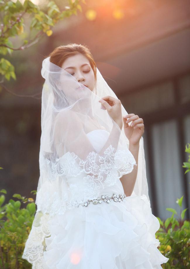 Ảnh cưới nóng bỏng của hoa khôi sinh viên Hà Nội - 13