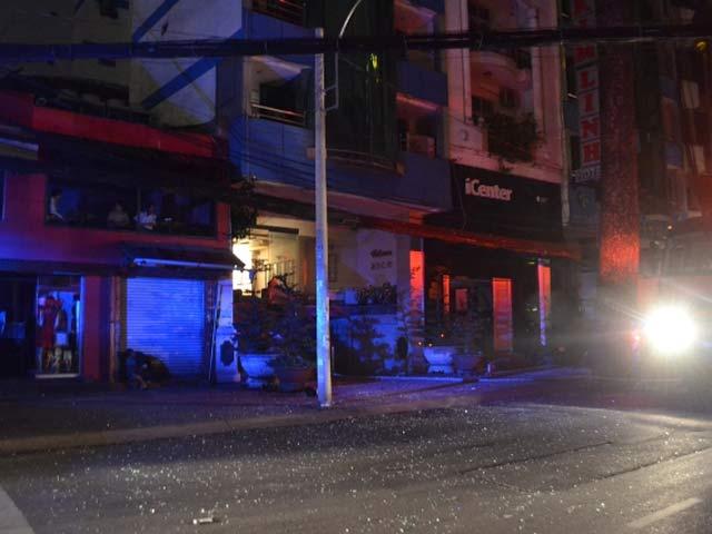 Cứu 11 người mắc kẹt trong khách sạn cháy giữa TPHCM - 3