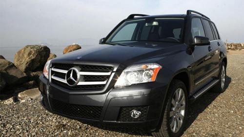 Mercedes-Benz GLK tự bung túi khí dù không đâm đụng - 1