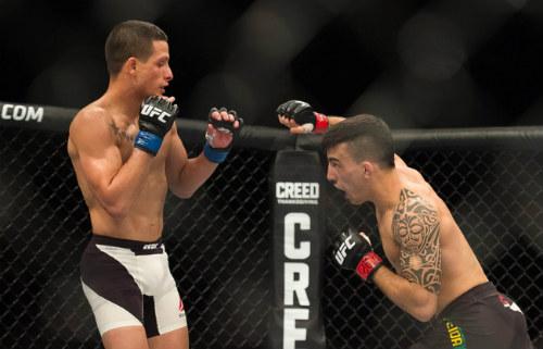 """Sàn đấu UFC: Cho đối thủ """"chết giấc"""" sau 22 giây - 1"""